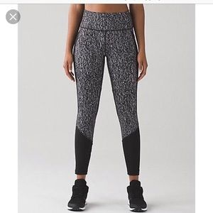 Lululemon high waist leggings size 4 mesh